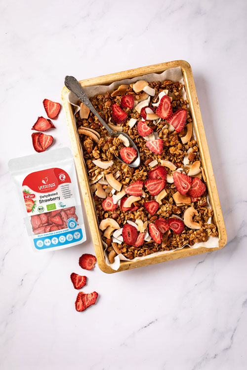 granola with dehydrated strawberry and coconut