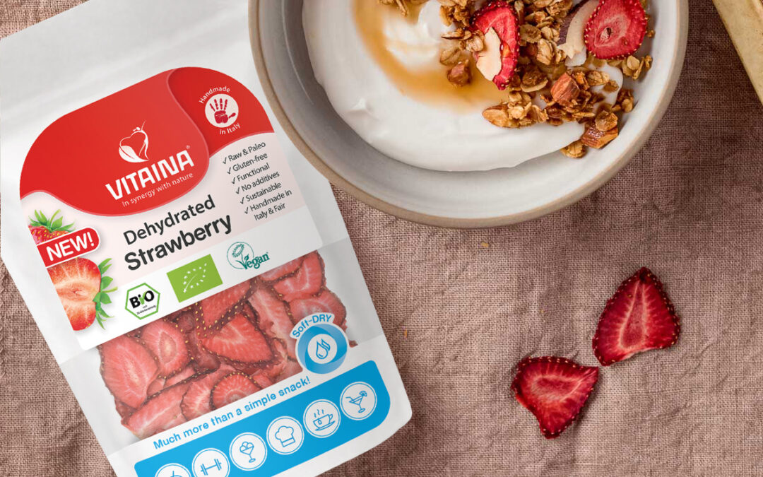 muesli with dehydrated strawberry and coconut